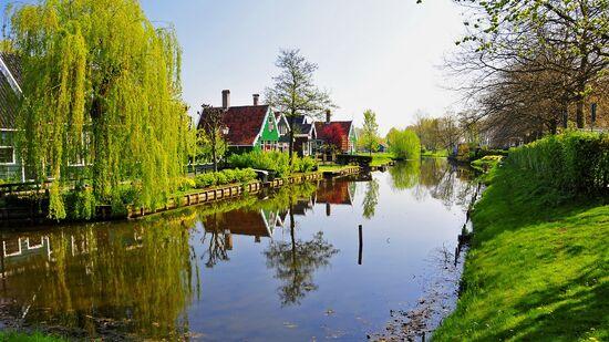Netherlands-Zaandam 1366x768