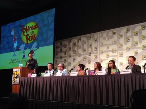 File:ComicConPanel2013.jpg