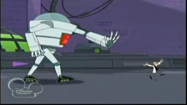 File:Robot chasing Doofenshmirtz.jpg