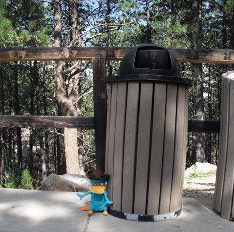 File:Secret Mount Rushmore entrance.jpg