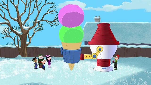 File:Constructing huge snow cones.jpg