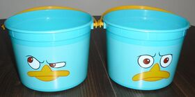 DesignWare 2012 Perry Faces Plastic Pails