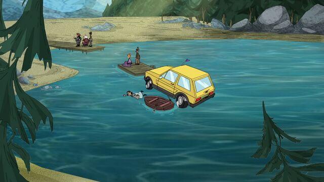 File:325a - Boat Bouncing.jpg