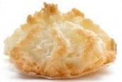 11321202-de-noix-de-coco-macarons-biscuits-de-noel-sur-fond-blanc