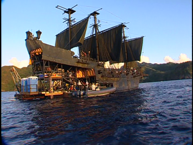File:Pirates of the caribbean the black pearl barge.png