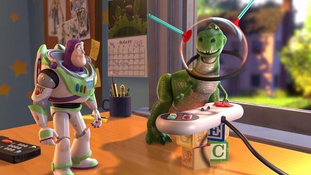 File:Buzz Lightyear/Rex 002.jpg