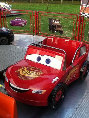 File:Lightning McQueen on Race-O-Rama ride.jpg