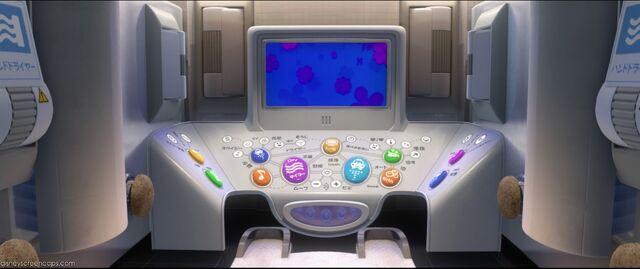 File:Cars2-disneyscreencaps.com-3085.jpg