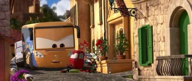 File:Bus Porto Corsa!!!!!.jpg