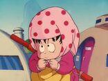 Mały Son Gokū przebrany za wiejską dziewczynkę wabi Wūlóng'a.jpg