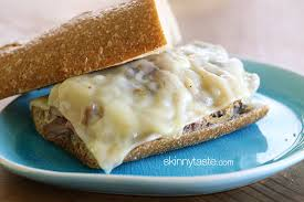 File:Roast beef and swiss.jpg