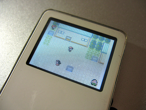 File:Playing Pokemon Crystal (Gameboy Color Game) on iPod nano.jpg