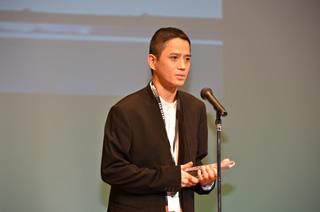File:Satoshi Tajiri receiving a award.PNG