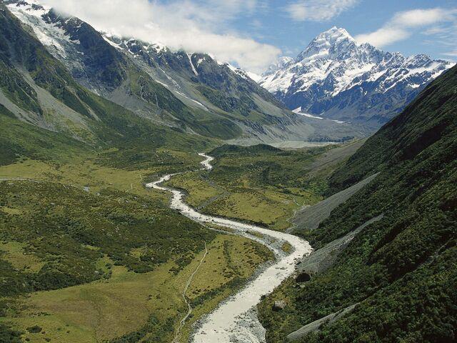 File:Valley.jpg