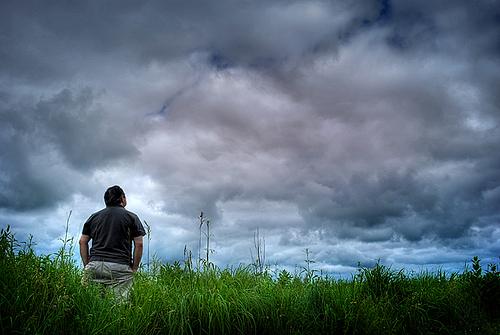 File:Looking-to-clouds.jpg
