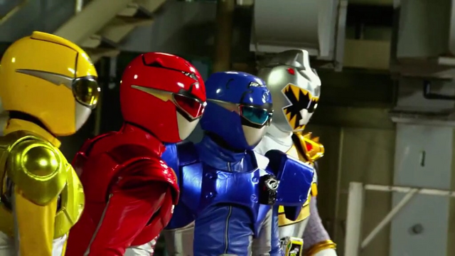 File:ZSK VS GB-Go-Busters and Kyoryu Silver.png