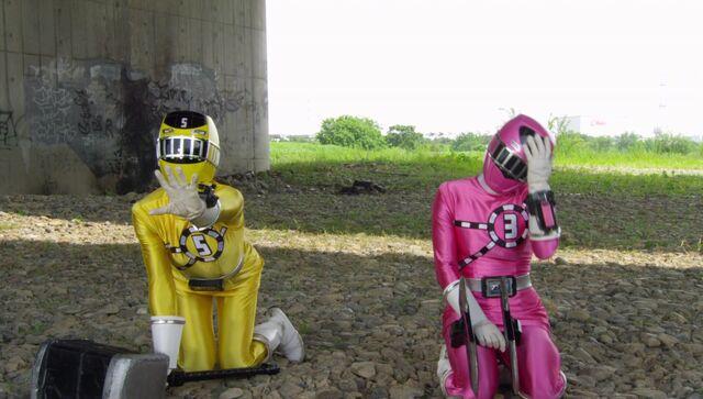 File:ToQger 25 - Yellow & Pink Swap.jpg