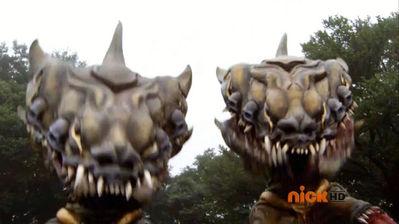 File:Splitting Croc Mouth.jpg