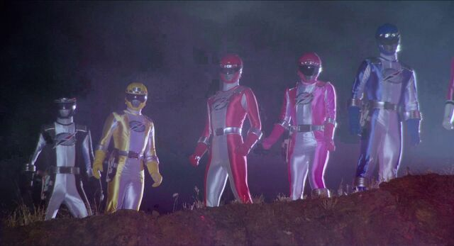File:Boukenger (Super Hero Taisen Z).jpg