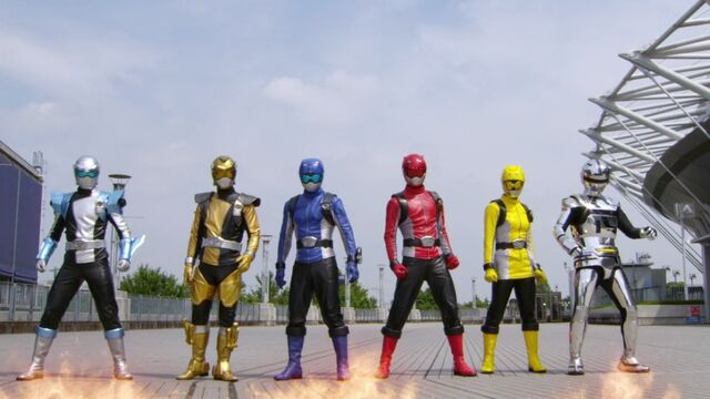 File:Go-Busters and Gavan Type G.jpg