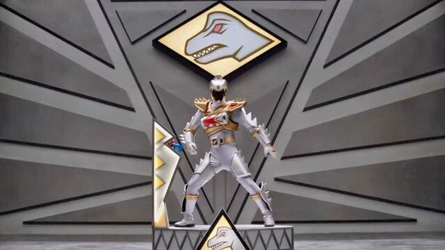 File:Silver Dino Charge Ranger in Dino SuperDrive Mode.jpeg