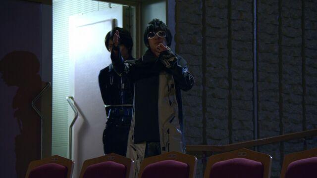 File:Hiromu as Enter.jpg