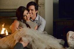 Pretty-little-liars-season-5-christmas-special-mona-back-ghost-aria-ezra-love-again
