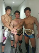 Ddt-6man-happy-motel