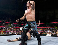 August 22, 2005 Raw.23