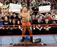 Raw 25-Oct-04-7