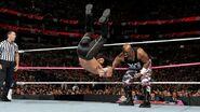 October 5, 2015 Monday Night RAW.43
