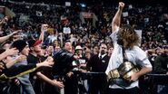 Mankind beats the rock for the wwf championchip