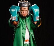 Hornswoggle-Ready-For-Boxing-Match