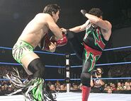 Smackdown-14-July-2005.13