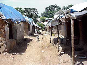 File:Refugee camp in Guinea.jpg