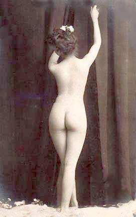 File:Vintage photo nude woman 2.jpg