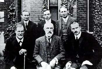 Hall Freud Jung in front of Clark 1909