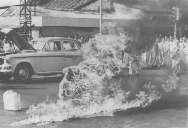 File:Thich Quang Duc - Self Immolation.jpg