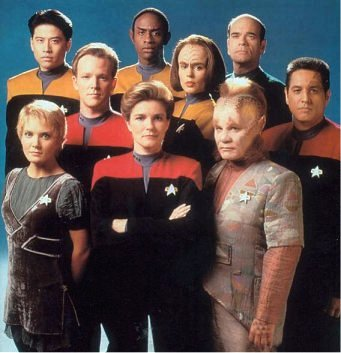 Arquivo:Elenco Voyager com Kes.jpg