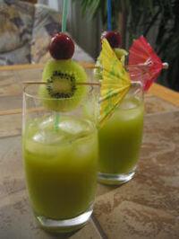 Cocktail gruener junge