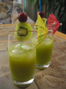 File:Cocktail gruener junge.jpg