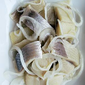 File:Pickled herring.jpg