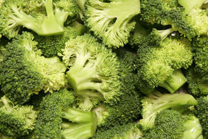 800px-Broccoli bunches