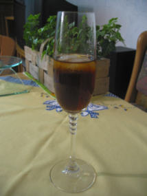 File:Cocktail black russian.jpg