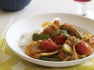 Thai-chicken-zucchini-and-tomato-curry 456X342