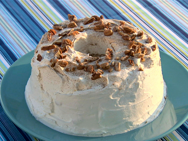 File:SH1013 Pecan-Cinnamon-Angel-Food-Cake lg.jpg