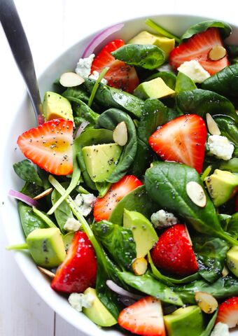 File:Strawberry-and-Avocado-Spinach-Salad-51.jpg