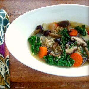 Mushroom-barley-soup-tf1