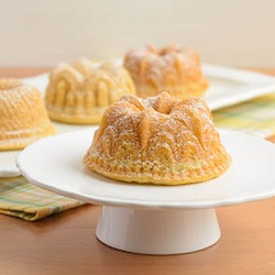 File:Citrus-Cocktail-Mini-Bundt-Cakes.jpg