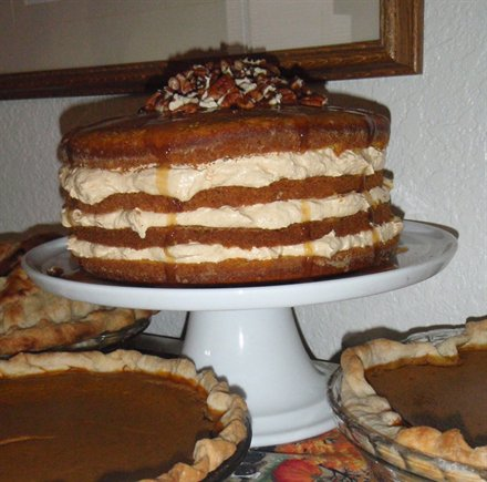 File:4 layer pumpkin cake.jpg